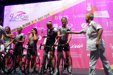 The team presented with Roses. ©Tiffany Cromwell