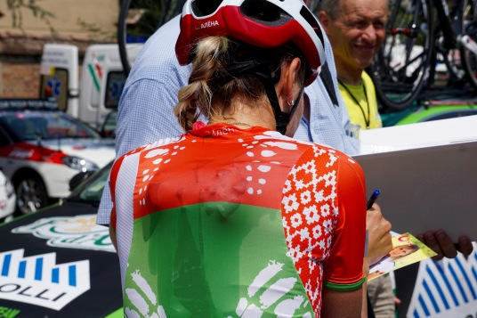 Alena cools down with Ice pre-race. ©Tiffany Cromwell
