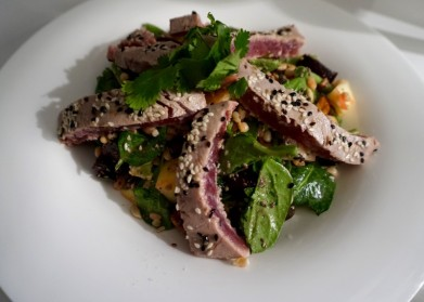 Tuna Steak and Green Bean Salad © Tiffany Cromwell