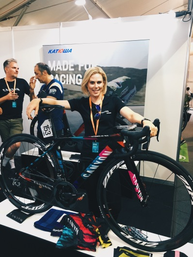 Tiffany at the Canyon Stand at TDU Village ©WMNCycling