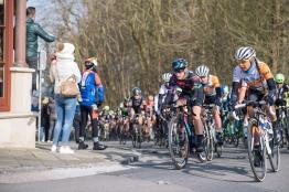 Tiffany Cromwell crest the climb - 2016 Omloop het Nieuwsblad - Elite Women, a 124km road race from Vlaams Wielercentrum Eddy Merckx to Ghent on February 27, 2016 in East Flanders, Belgium. ©Velofocus
