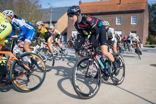 Tiffany Cromwell moves up on the outside - 2016 Omloop van het Hageland - Tielt-Winge, a 129km road race starting and finishing in Tielt-Winge, on February 28, 2016 in Vlaams-Brabant, Belgium. ©Velofocus