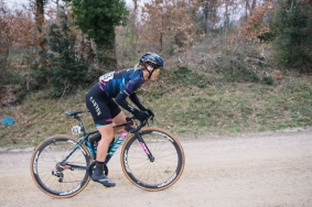 Tiffany Cromwell gets out of the saddle for another gravel climb - 2016 Strade Bianche - Elite Women, a 121km road race from Siena to Piazza del Campo on March 5, 2016 in Tuscany, Italy. ©Velofocus