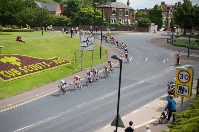 The peloton rides through Burton upon Trent during the Aviva Women's Tour 2016 - Stage 4. A 119.2 km road race from Nottingham to Stoke-on-Trent, UK on June 18th 2016. ©Velofocus