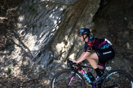 Tiffany Cromwell (CANYON//SRAM Racing) finds a little shade on the climb at Giro Rosa 2016 - Stage 6. A 118.6 km road race from Andora to Alassio, Italy on July 7th 2016. ©Velofocus