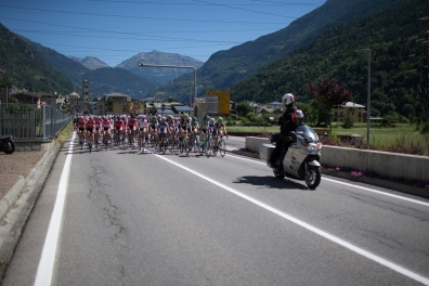 The peloton rides in the neutral zone during the Giro Rosa 2016 - Stage 5. A 77.5 km road race from Grosio to Tirano, Italy on July 6th 2016. ©Velofocus