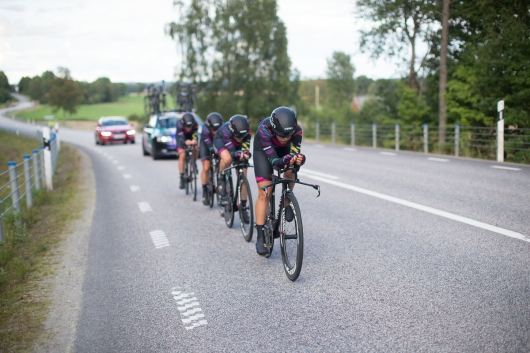 Tiffany Cromwell (AUS) of CANYON//SRAM Racing leads her squad during the 42,5 km team time trial of the UCI Women's World Tour's 2016 Crescent Vårgårda women's road cycling race on August 19, 2016 in Vårgårda, Sweden. (Photo by Balint Hamvas/Velofocus)